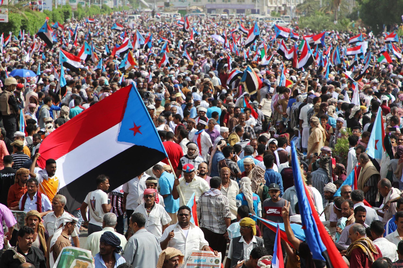 تظاهرکنندگان خواستار به رسمیت شناختن حق تعیین سرنوشت ساکنان جنوب یمن شدند.