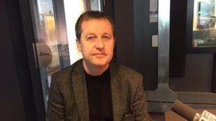 Philippe Forest en studio à RFI.