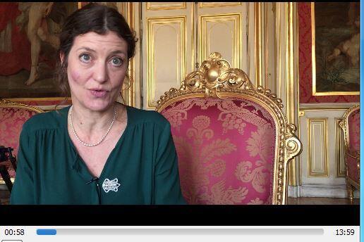 """记者卡米尔 拉布罗(Camillle Labro)宣布在网站上推出""""环保美食白皮书""""草稿本"""
