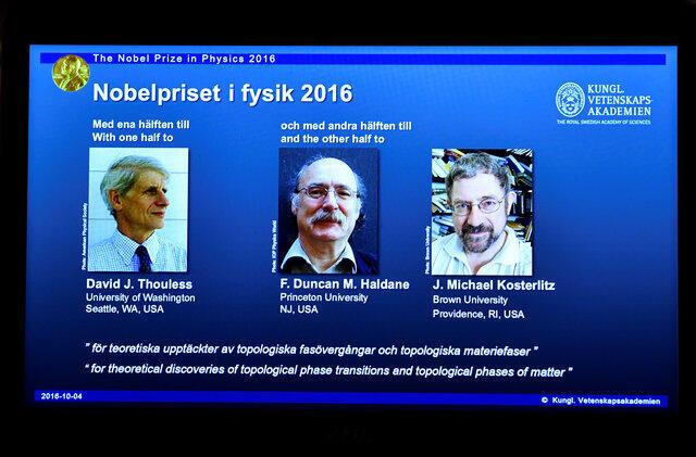 Лауреаты Нобелевской премии по физике 2016 года Дэвид Таулес, Дункан Холдейн и Майкл Костерлиц