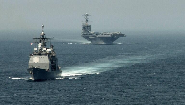 L'USS Gettysburg (premier plan) et l'USS Truman en Méditerranée, le 3 août 2013.