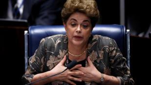 Dilma Rousseff face aux sénateurs, le 29 août 2016, à Brasilia.