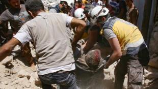 Au moins dix civils ont été tués ce vendredi 12 juillet 2019 dans des raids du régime de Bachar al-Assad, selon l'ONG OSDH.