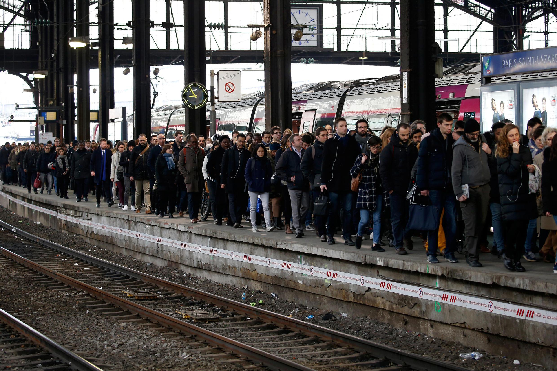 Les usagers pourraient bien souffrir mardi 3 avril avec la grève à la SNCF qui va beaucoup perturber les transports.