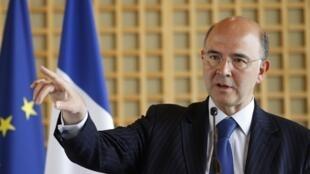 Министр финансов Франции Пьер Московиси на пресс-конференции в Берси 13/06/2012