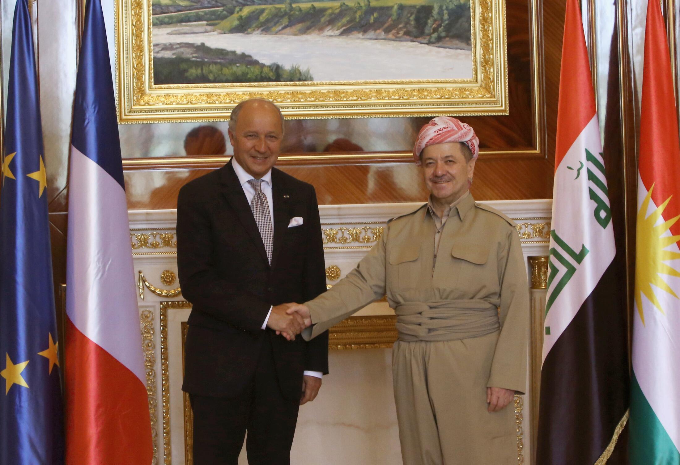 Министра иностранных дел Франции Лоран Фабиус (слева) и президент иракского Курдистана Масул Барзани, Эрбиль, 10 августа 2014 г.