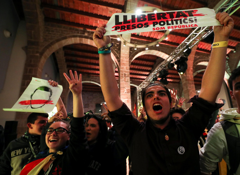 Des soutiens des séparatistes catalans dans les rues de Barcelone, le 21 décembre 2017.