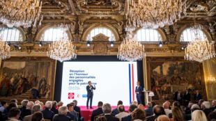 Президент Э.Макрон представил в Елисейском дворце новую лотерею для сбора средств на реставрацию памятников культурного наследия. Париже, 31 мая 2018.