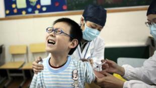 能否在丑闻后杜绝不合格疫苗事件的发生是中国民众的担心