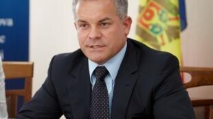 Лидер правящей партии демократов Молдовы, олигарх Влад Плахотнюк назначил вице-председателя ДПМ Кристину Балан послом Молдовы в США