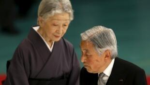 Nhật Hoàng Akihito cùng hoàng hậu Michiko. Ảnh tư liệu chụp ngày 15/08/2015 tại Tokyo.