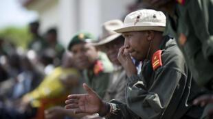Le général rebelle Bosco Ntaganda, lors d'une cérémonie d'intégration de combattants rebelles au sein des forces armées congolaises, en janvier 2009 dans le Nord-Kivu.