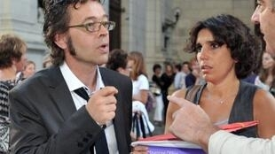 Doctor Nicolas Bonnemaison and his wife, Julie, at the court in Pau earlier this month