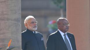 Fira Ministan Indiya Narendra Modi tare da mai masaukin sa Jacob Zuma.