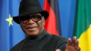 Le président malien Ibrahim Boubacar Keïta a annoncé vendredi soir que le second tour des législatives est maintenu au 19 avril 2020. (Ici, le 8 février 2019, à Berlin).