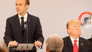 Tổng thống Pháp Emmanuel Macron phát biểu bên cạnh đồng nhiệm Mỹ Donald Trump, nhân lễ kỷ niệm 100 năm kết thúc Thế Chiến Thứ Nhất. Ảnh ngày 11/11/2018.