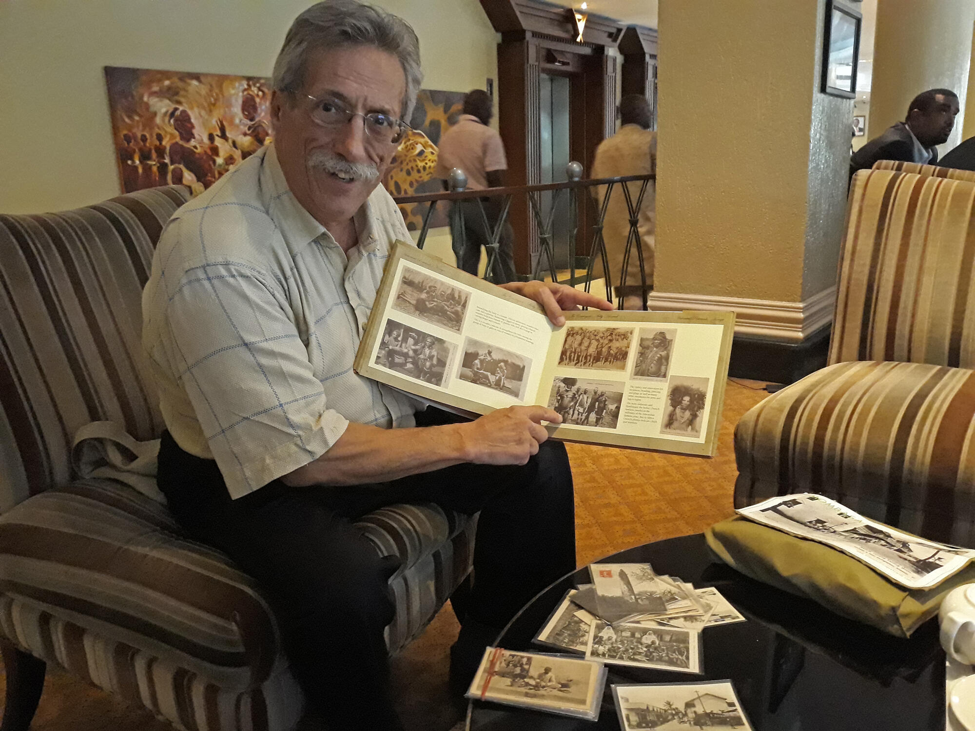 Originaire du sud de la France, Joël Bertrand a travaillé en Ouganda, au Nigéria, au Burundi, au Kenya. Il a écrit un livre sur sa collection, tient des conférences et expose.