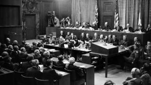Vista de la sala de audiencias del Tribunal de Nuremberg en septiembre de 1946