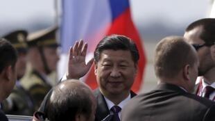 中國國家主席習近平抵達捷克進行國事訪問