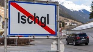 Cercada com montanhas e neve, em pleno Tirol austríaco, a cidadezinha de Ischgl atrai turistas do mundo todo para aproveitar a estação de esqui de Silvretta Arena.