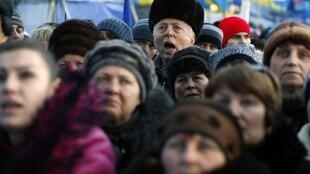 Rassemblement d'ukrainiens place de l'Europe, le samedi 14 décembre 2013