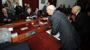 Cuộc họp đầu tiên của hội đồng bộ trưởng Tunisia (AFP)