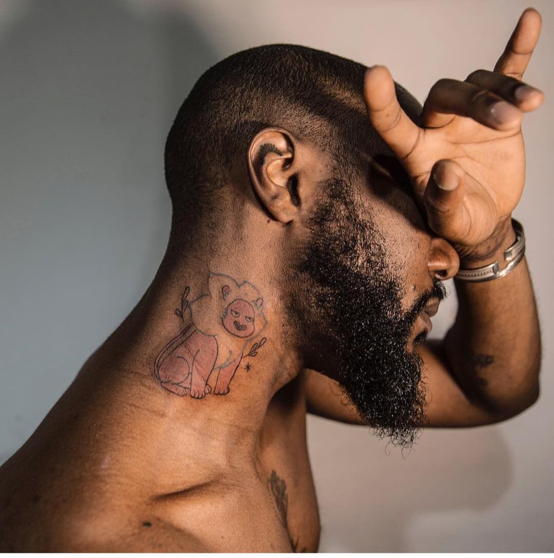 Gael Rapon et son tatouage réalisé par Katie Mcpayne au salon de tatouage Yoso