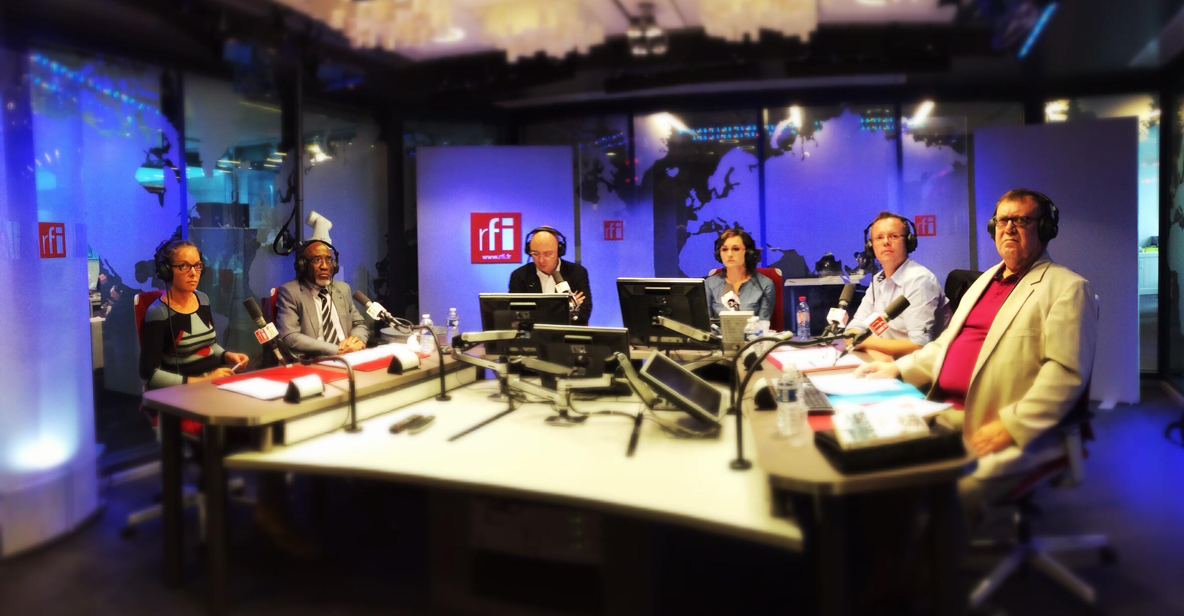 Anne Bernas, Samuel Mbajum, Laurent Correau, Marie Casadebaig, Vincent Groizeleau et Pierre Dufour.
