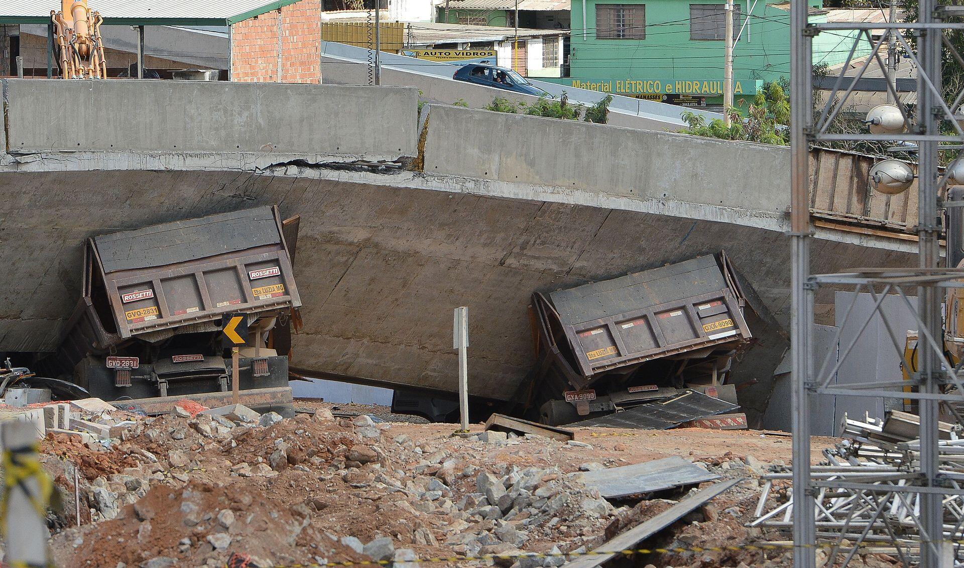 O viaduto Batalha dos Guararapes desabou em julho de 2014 sobre uma das avenidas mais movimentadas de Belo Horizonte.