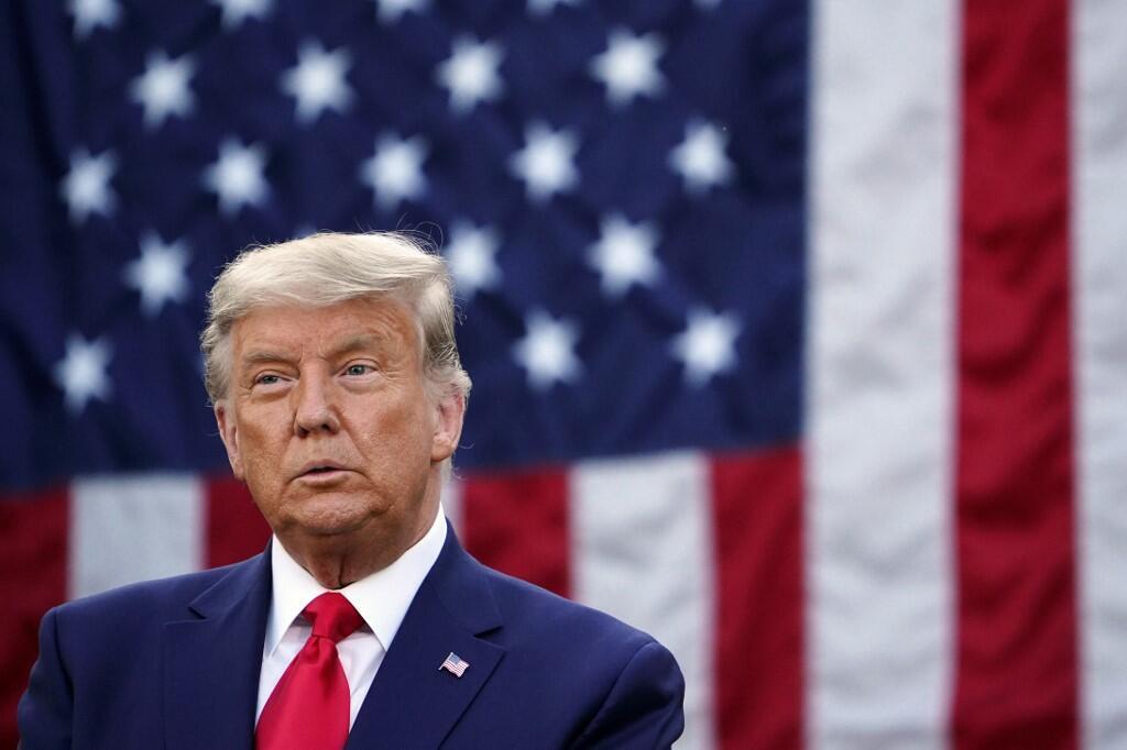 C'est la première fois que Donald Trump s'exprime publiquement depuis que la victoire de Joe Biden à la présidentielle a été annoncée. Il s'est uniquement exprimé sur la pandémie de coronavirus qui bat des records en ce moment aux États-Unis.
