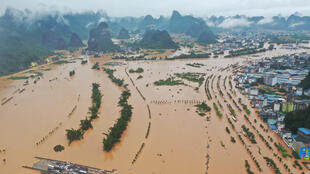 2020-07-22T002339Z_1254093974_RC20YH9GJH86_RTRMADP_3_CHINA-WEATHER-FLOODS-DAMS (1)