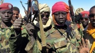 Enfants soldats au Tchad, en décembre 2006.
