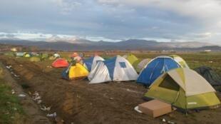 Vue du camp de réfugiés d'Idomeni, à la frontière gréco-macédonienne;