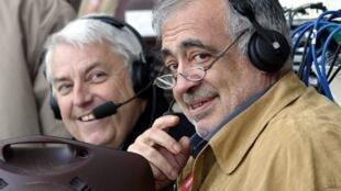 Le journaliste Charles Bietry (g) et Philippe Séguin (d), pour la rencontre Tunisie/Sénégal à la CAN 2004.