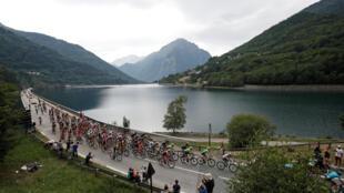 Các nhà tổ chức đang cố gắng để Tour de France là cuộc đua thân thiện với môi trường. Ảnh: Chặng 18 của Tour de France 2017 từ La Mure đến Serre-Chevalier, ngày 19/07/2017.