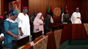 Le président nigérian Muhammadu Buhari assiste à son premier Conseil des ministres, le 30 août 2017 à Abuja.
