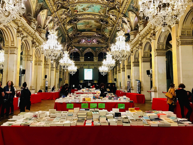 """نمایشگاه کتاب """"شرق-مغرب"""" در پاریس"""