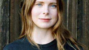 Portrait de l'écrivaine Emma Cline.