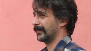 Photographie portrait de l'auteur de bande dessinée Pierre Place.