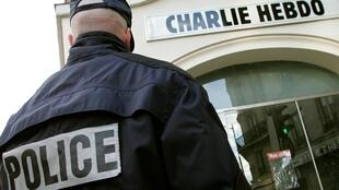 Atentado na sede da revista Charlie Hebdo, em janeiro de 2015, deixou 12 mortos.