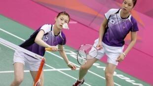 韩国羽毛球选手郑景银、金荷娜