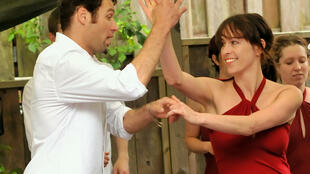 El baile es una capacidad exclusiva de los seres humanos. Es también un proceso complejo que requiere varias facultades como la coordinación, el equilibrio y la memoria.