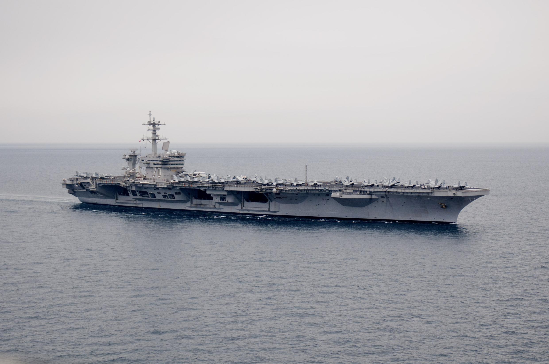 Hàng không mẫu hạm USS Carl Vilson, nơi tiến hành thủy táng thi hài Ben Laden (Ảnh chụp hôm 4/4/2011
