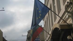 Флаги ЕС и Литвы на улицах Вильнюса