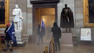 Seguidores del presidente estadounidense, Donald Trump, irrumpen en el Capitolio