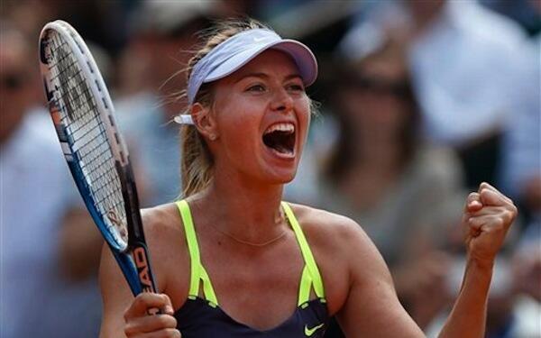 Mchezaji Tennis Maria Sharapova akishangilia baada ya kufuzu hatua ya nusu fainali kwa kumfunga Jelena Jankovic