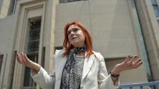 La romancière et militante des droits de l'homme turque Asli Erdogan, emprisonnée 4 mois, vient d'être autorisée à se rendre à l'étranger.