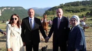 2021-06-15T155431Z_197643963_RC231O90ZP4C_RTRMADP_3_AZERBAIJAN-TURKEY