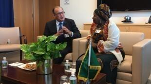 Le conseiller du roi du Maroc, Tayeb Fassi-Fihri, a rencontré à New-York, la présidente de la commission de l'Union africaine (UA)Dlamini Zuma, ce 23 septembre 2016.