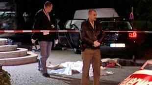 Six hommes italiens ont été abattus le 15 août 2007 en Allemagne, alors qu'ils quittaient une fête d'anniversaire. Les procureurs ont déclaré que le massacre faisait partie d'une querelle de longue date entre deux clans du 'Ndrangheta (mafia calabraise).